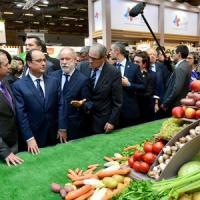 Le Président français François Hollande en visite à SIAL Paris